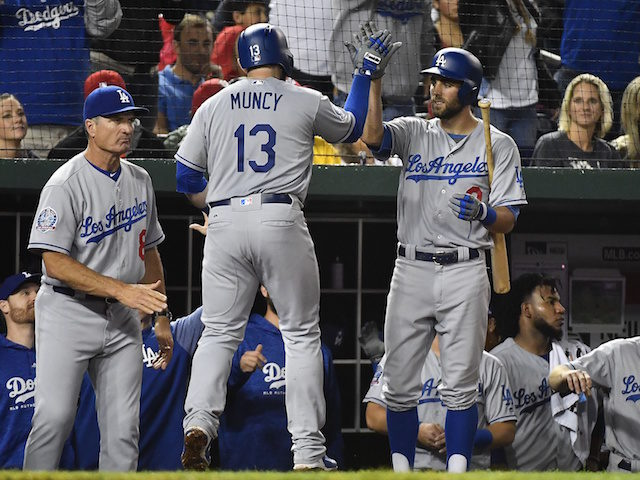 Max-muncy-chris-taylor-bob-geren-640x480