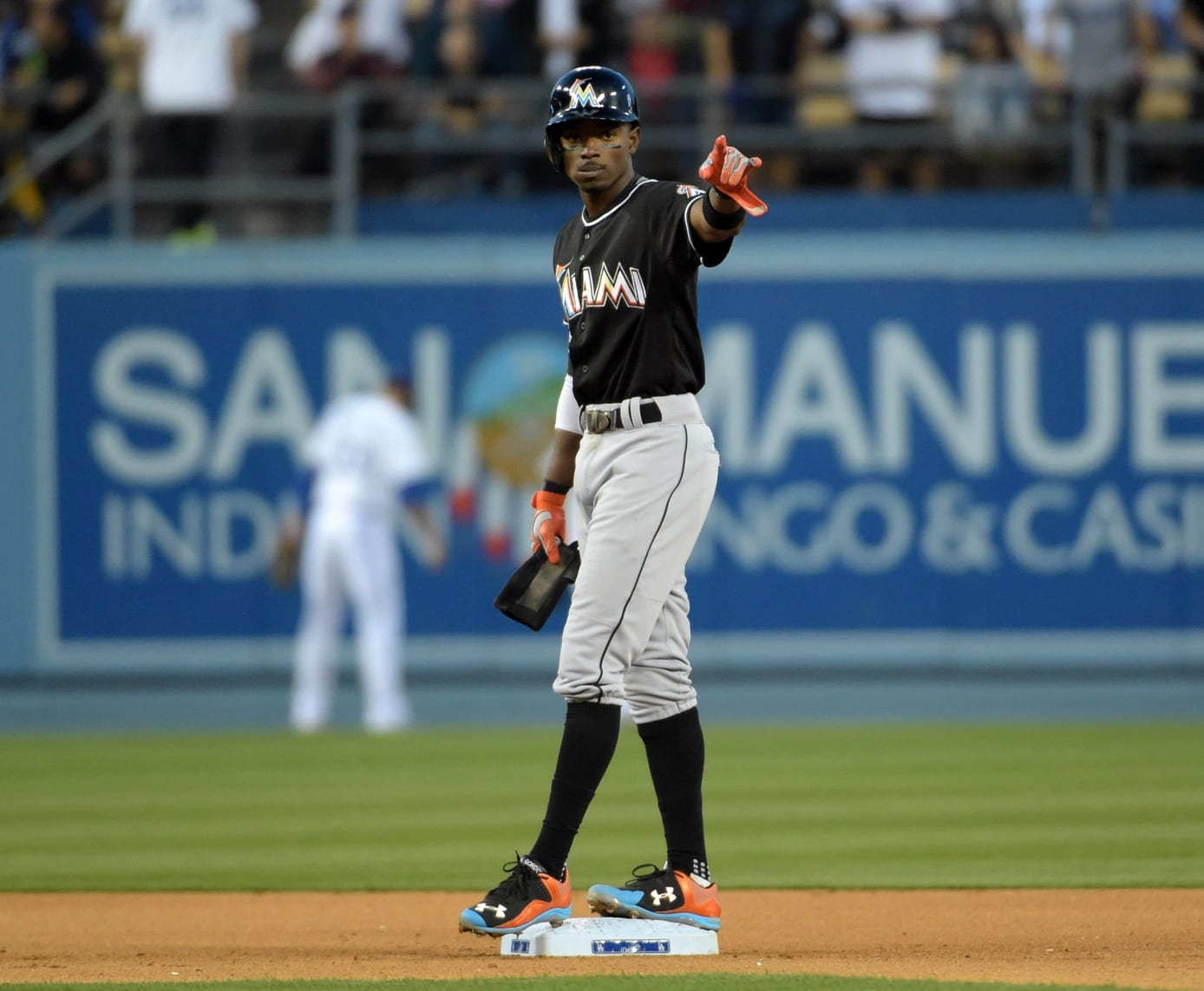 Dodgers News: Farhan Zaidi Praises Dee Gordon's 2015 Season