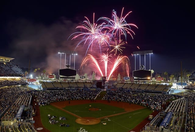 Dodgers 2016 Promotional Schedule Features 10 Bobbleheads, Vin Scully T-shirt