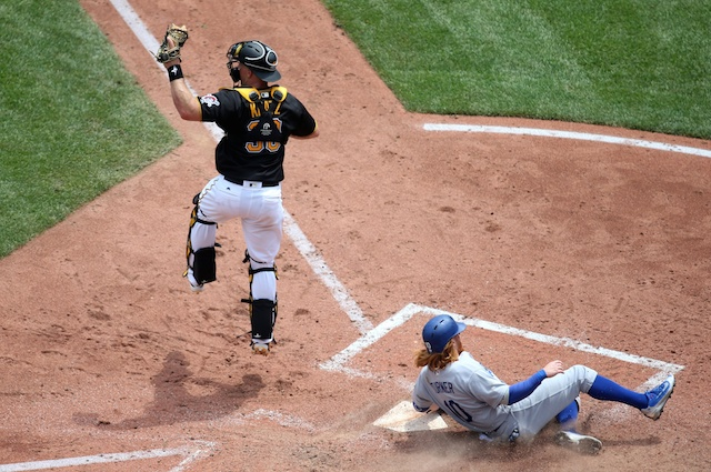 Dodgers Battle Back From Early Deficit To Avoid Being Swept By Pirates