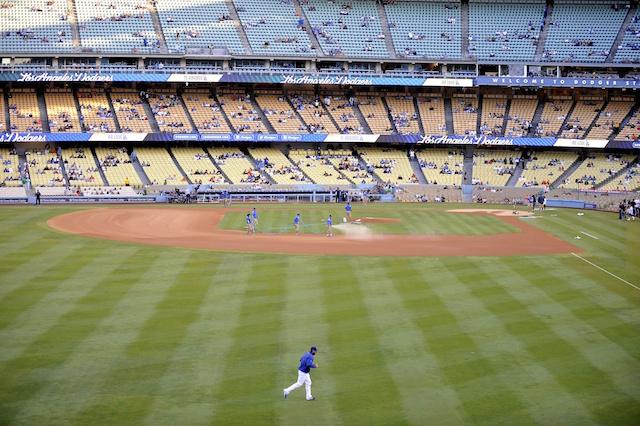 Clayton-kershaw-dodger-stadium-field-view