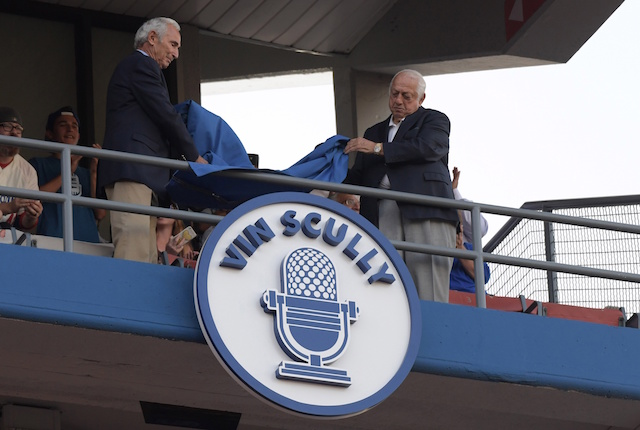 Vin Scully Humbled By Induction Into Dodgers Ring Of Honor