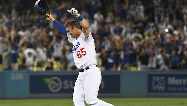 Dodgers News: Kyle Farmer 'Would Love To Get Booed' By Giants Fans