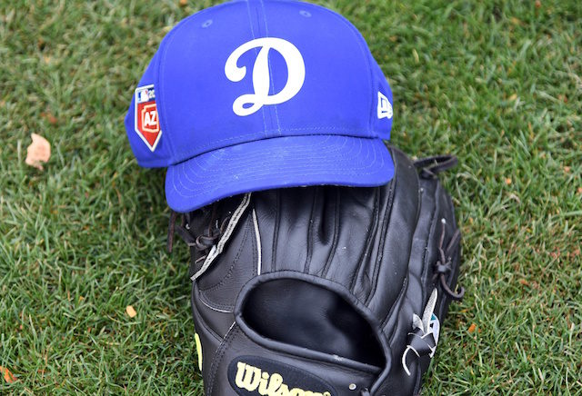 Dodgers-cap-glove-640x436