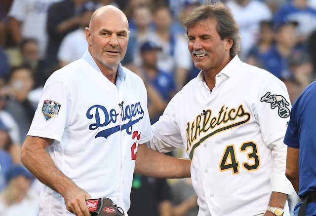 Dennis Eckersley, Kirk Gibson before a 2018 World Series game at Dodger Stadium