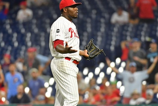 Philadelphia Phillies closer Hector Neris ejected after throwing at Los Angeles Dodgers infielder David Freese