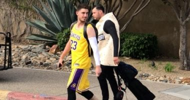 Los Angeles Dodgers teammates Cody Bellinger and Joe Kelly dress up as LeBron James and Taco Tuesday