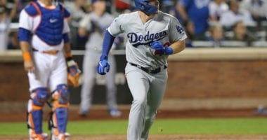 Los Angeles Dodgers infielder Gavin Lux hits a home run against the New York Mets