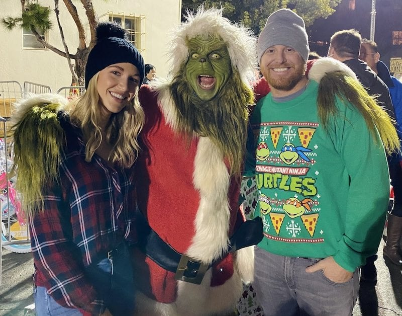 Through the Justin Turner Foundation, Kourtney and Justin Turner assisted the Los Angeles Dream Center with their annual Christmas Dreamland