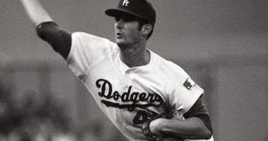 Los Angeles Dodgers relief pitcher Bill Singer