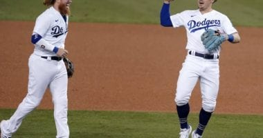Kiké Hernandez, Justin Turner, Dodgers win, 2020 Wild Card Series