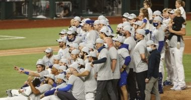Team photo, Dodgers win, 2020 NLCS