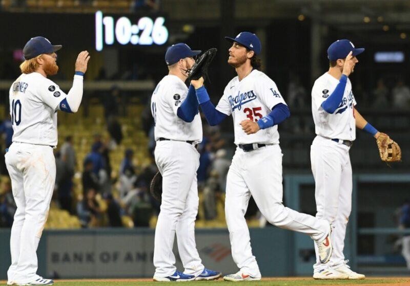 Cody Bellinger, Max Muncy, Justin Turner, Trea Turner, Dodgers win