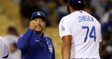 Kenley Jansen, Dave Roberts, Dodgers win